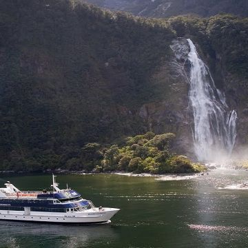Queenstown Millford Sound Cruies 1